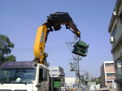 משאית מנוף 8